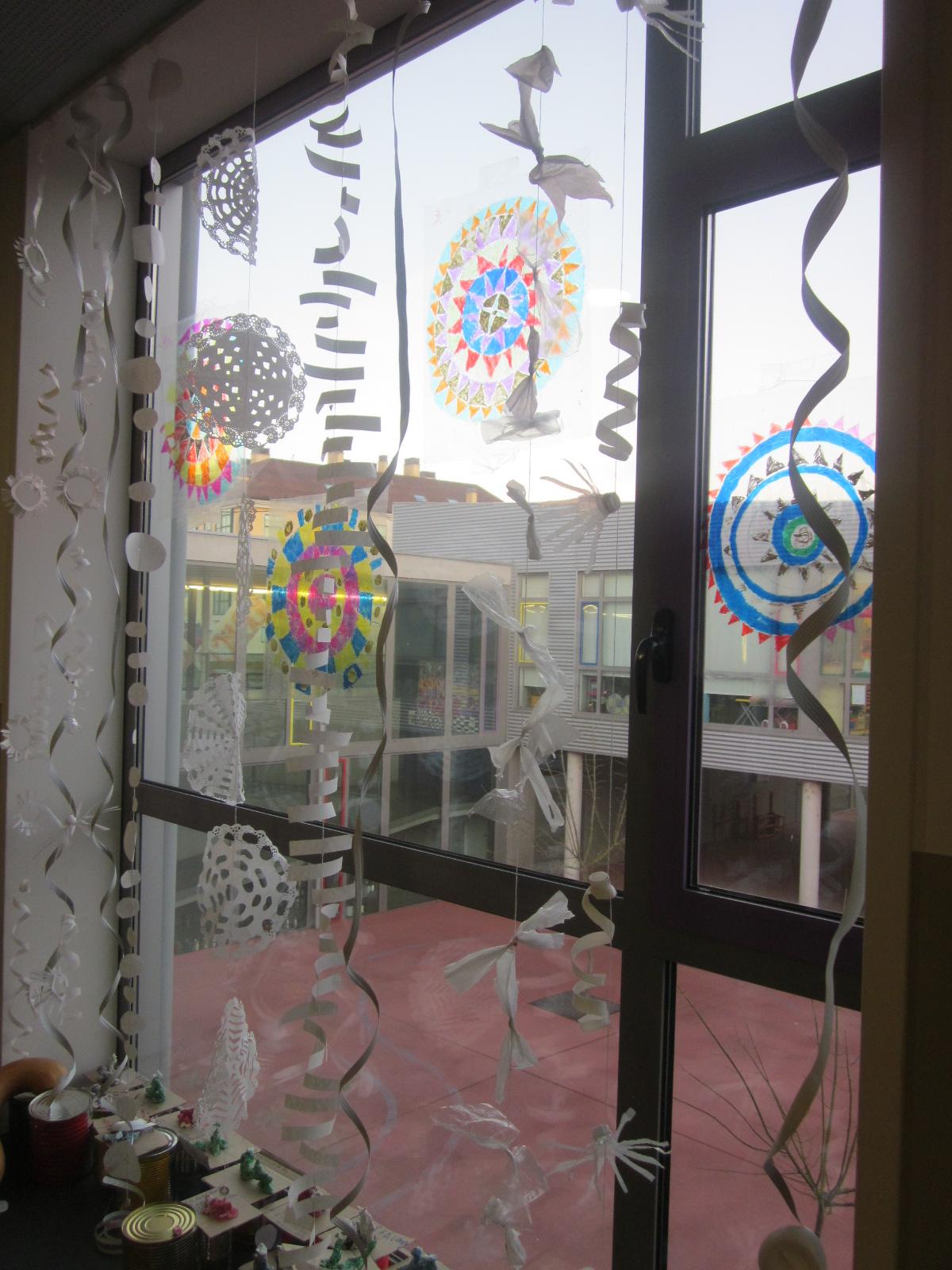 Decoracion Invierno Para Jardin Infantil ~   de leche blondas de papel estrellas y flores de vasos botes de yogurt